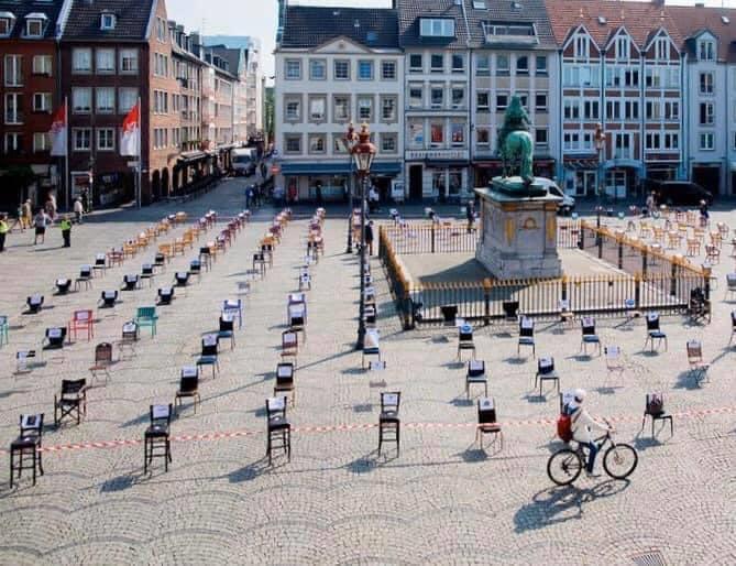 """""""Άδειες καρέκλες"""": Συμβολική διαμαρτυρία της Εστίασης και στο Αγρίνιο την Τετάρτη"""
