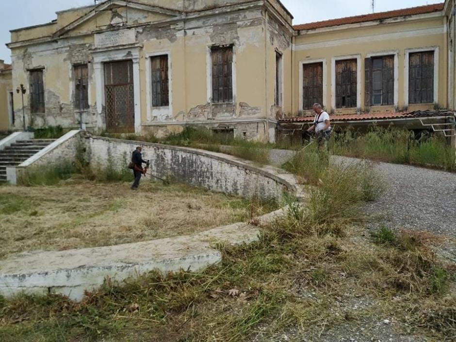 Με μεράκι και μπόλικο εθελοντισμό καθαρίστηκε το παλιό νοσοκομείο Μεσολογγίου (φωτό)