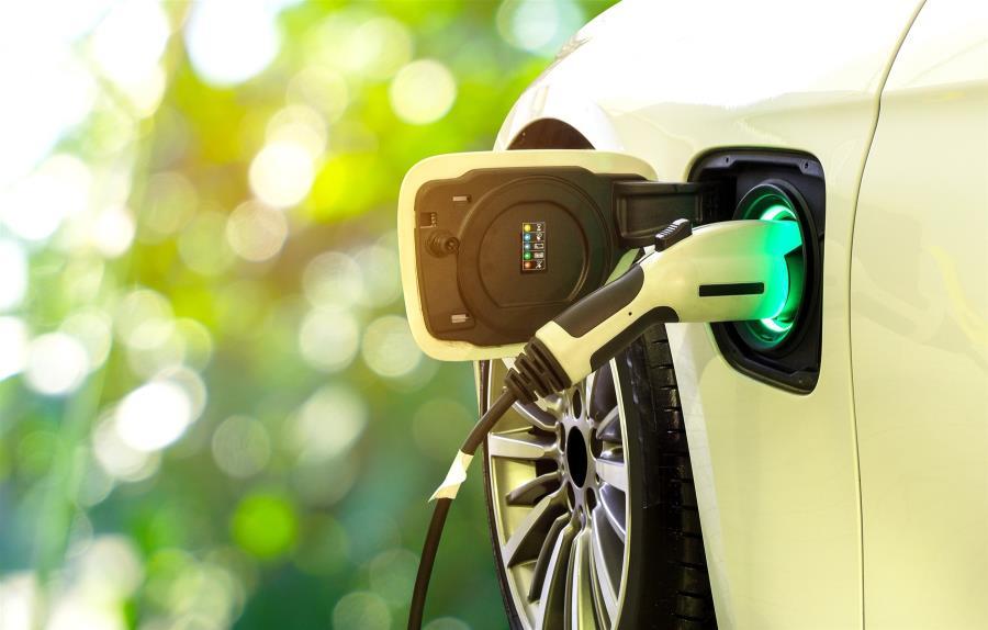 Ηλεκτροκίνηση: Μπόνους για ηλεκτρικά οχήματα, φορολογικά κίνητρα, δωρεάν στάθμευση