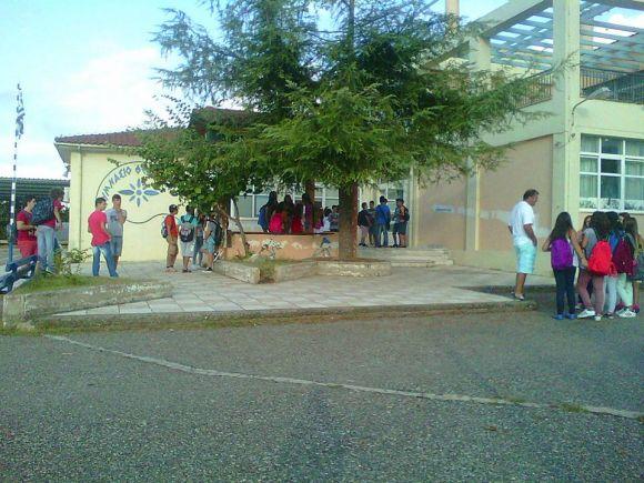 Μπράβο στους μαθητές του Γυμνασίου Καινουργίου: αντί εκδρομής τα χρήματα σε κοινωφελή σκοπό