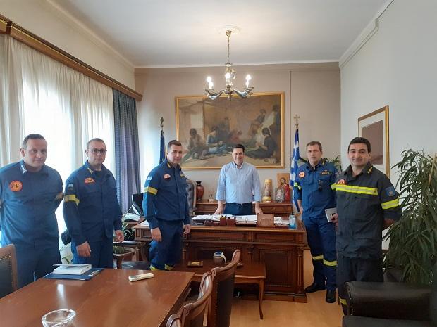 Οι εκπρόσωποι της Πυροσβεστικής συναντήθηκαν με τον δήμαρχο Αγρινίου
