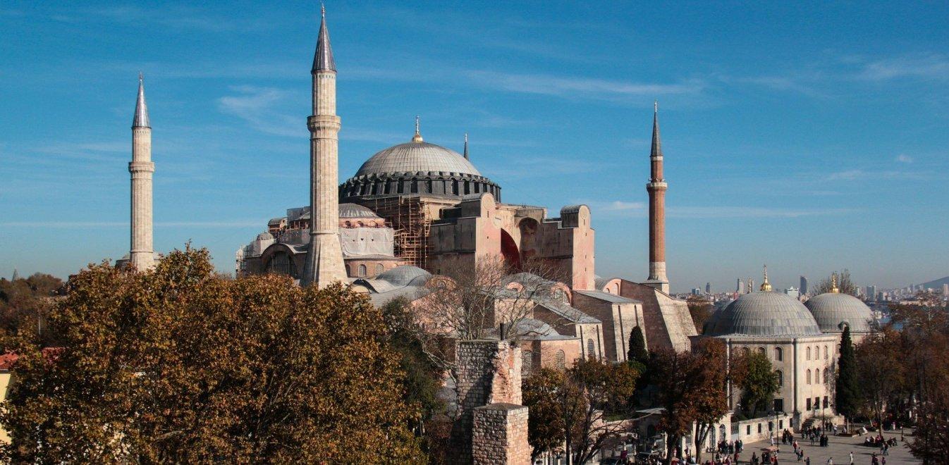 Οι Τούρκοι ετοιμάζονται να κάνουν τζαμί την Αγιά Σοφιά – Σήμερα η απόφαση