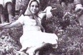 Η Μαρία Δημάδη των εφηβικών χρόνων ανάμεσα στους Αγρινιώτες παραθεριστές του Μεσοπολέμου.