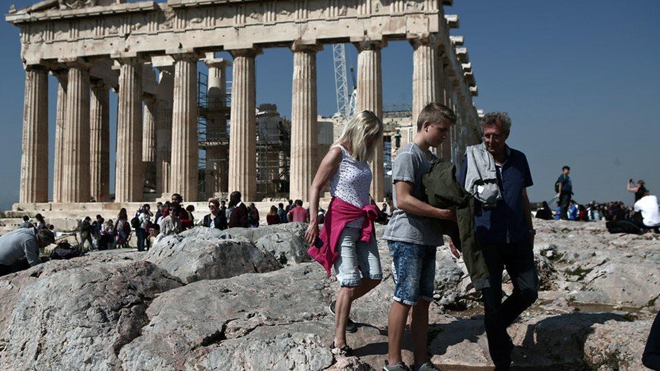 Άρση μέτρων: Όλη η επανεκκίνηση του τουρισμού σε δυο ημέρες