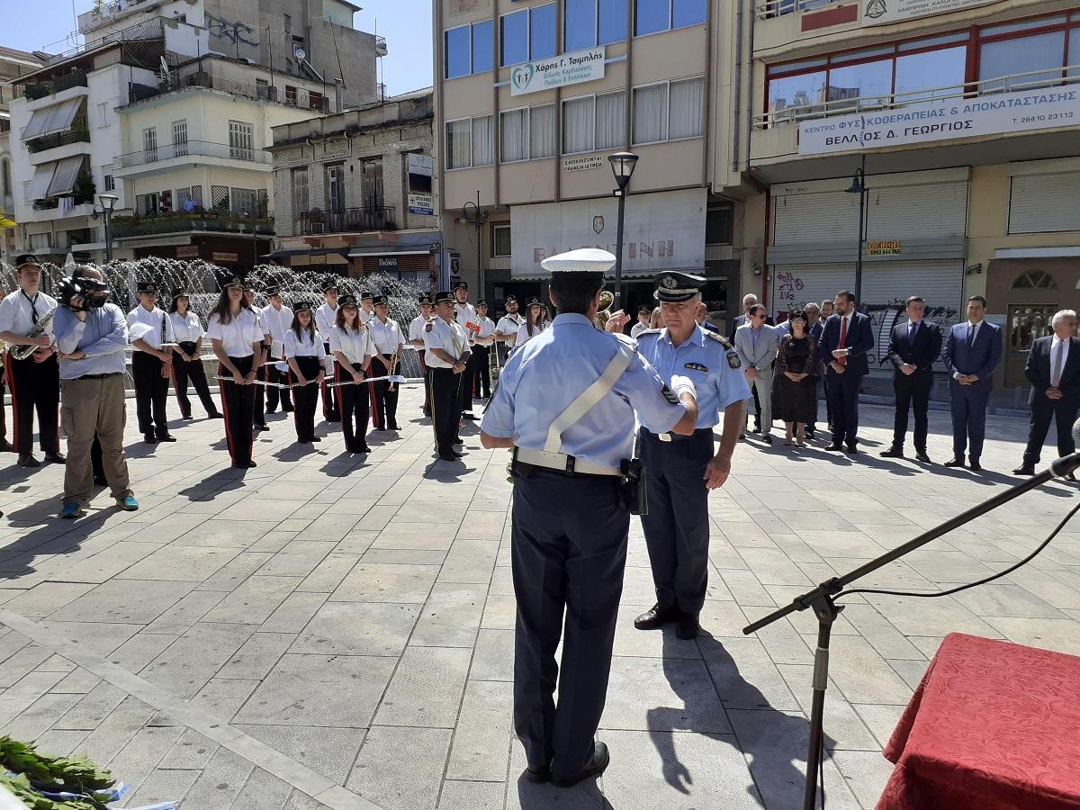 Κατάθεση στεφάνων στο Μνημείο των Πεσόντων για την επέτειο απελευθέρωσης του Αγρινίου