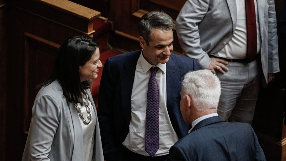 Βουλή: «Ναι» στο πολυνομοσχέδιο του υπουργείου Παιδείας – Ευρύτερη στήριξη στη διαγωγή και την Τράπεζα Θεμάτων