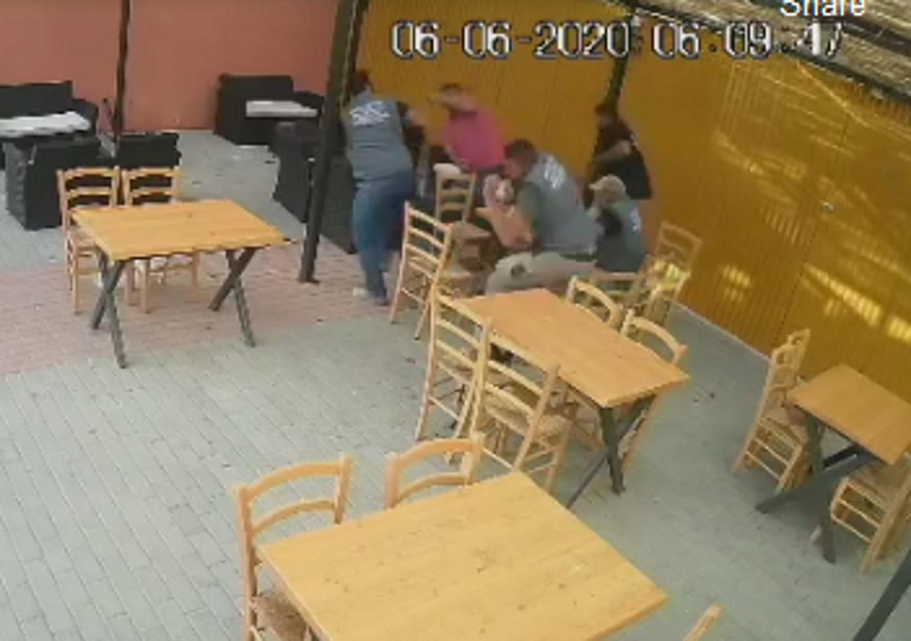 Κρήτη: Πέντε ζωές σώζονται για κλάσματα του δευτερολέπτου- Απίστευτες εικόνες σε καφενείο (βίντεο)
