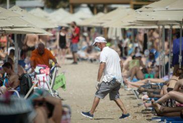 Νέα ΚΥΑ για τις παραλίες- Επιστρέφουν καφές και τραπεζάκια, όλα τα πρόστιμα