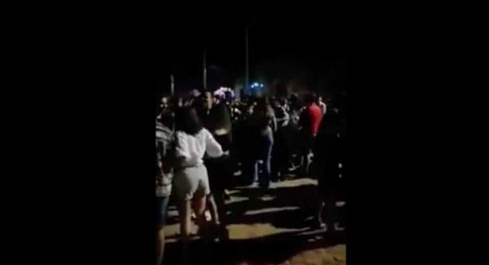 Κορωνοϊός: Συναγερμός στην Πάτρα για υπαίθριο πάρτι με πάνω από 1.000 άτομα