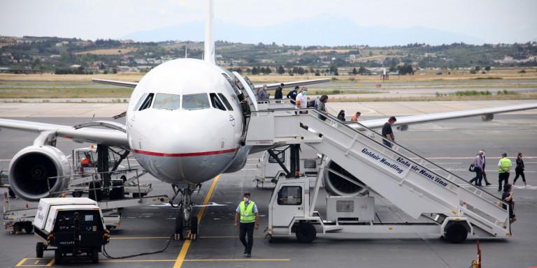 Οι 11 «κόκκινες» πτήσεις που έφθασαν χθες στην Ελλάδα -Πόσοι ελέγχθηκαν, τι έδειξε το πρώτο «κρας τεστ»