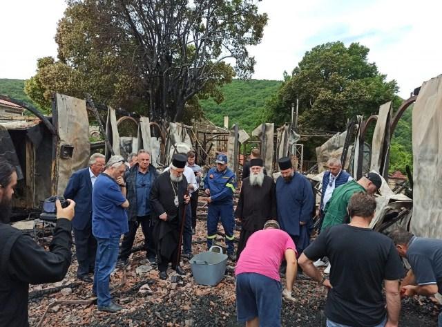 Οι πρώτες αποφάσεις για το μοναστήρι της Βαρνάκοβας μετά την πυρκαγιά