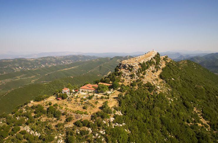 Η άγνωστη και επιβλητική Ακρόπολη των Θεστιέων στο Αγρίνιο (Βίντεο)