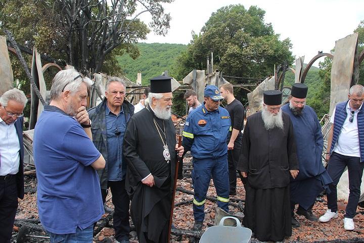 Ι.Μ.Βαρνάκοβας: Σκηνές αποκάλυψης με το πρώτο φως-  Η Μητρόπολη Φωκίδος σήμερα θρηνεί!
