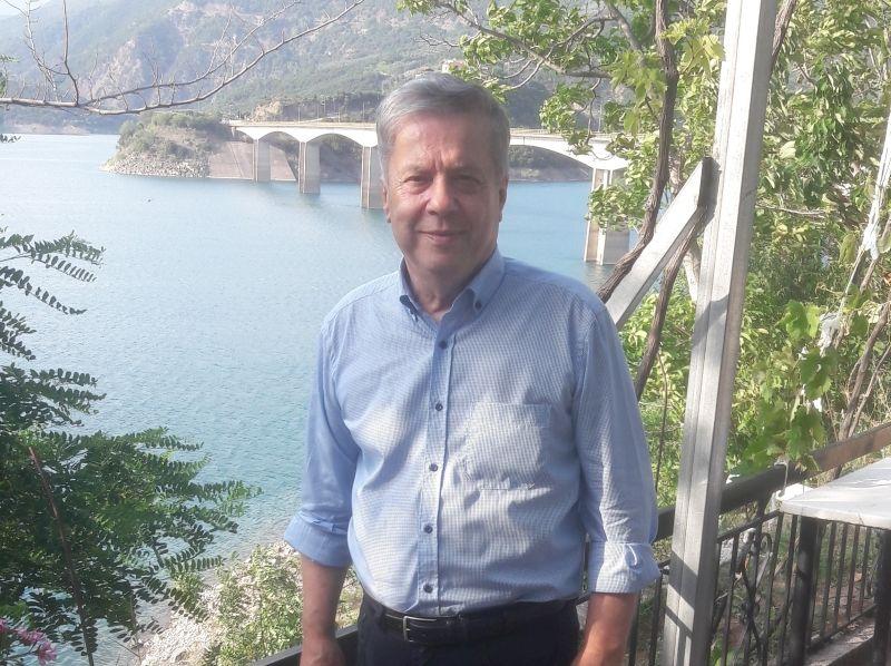 Έφυγε από τη ζωή ο Βασίλης Αντωνόπουλος
