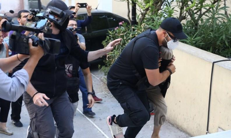 Επίθεση με βιτριόλι: Κινητά και λαπτοπ «καίνε» την 34χρονη κατηγορούμενη