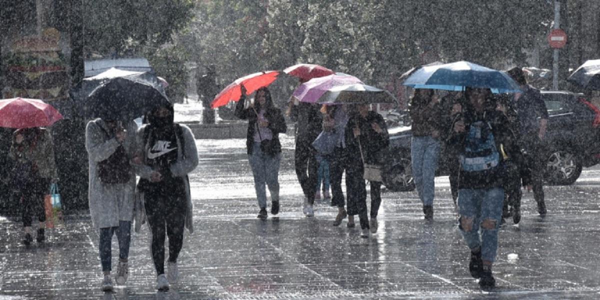 Έκτακτο δελτίο: Επιδείνωση του καιρού στη Δυτική Ελλάδα από το απόγευμα της Δευτέρας