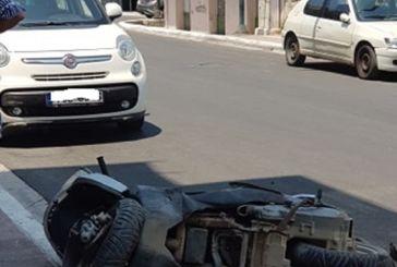 Βόνιτσα: Αυτοκίνητο έπεσε πάνω σε σταθμευμένα οχήματα (φωτο)