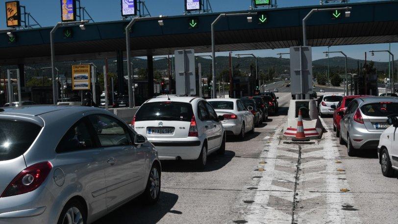 Κορονοϊός: Σκέψεις για απαγόρευση μετακινήσεων από νομό σε νομό το Σαββατοκύριακο