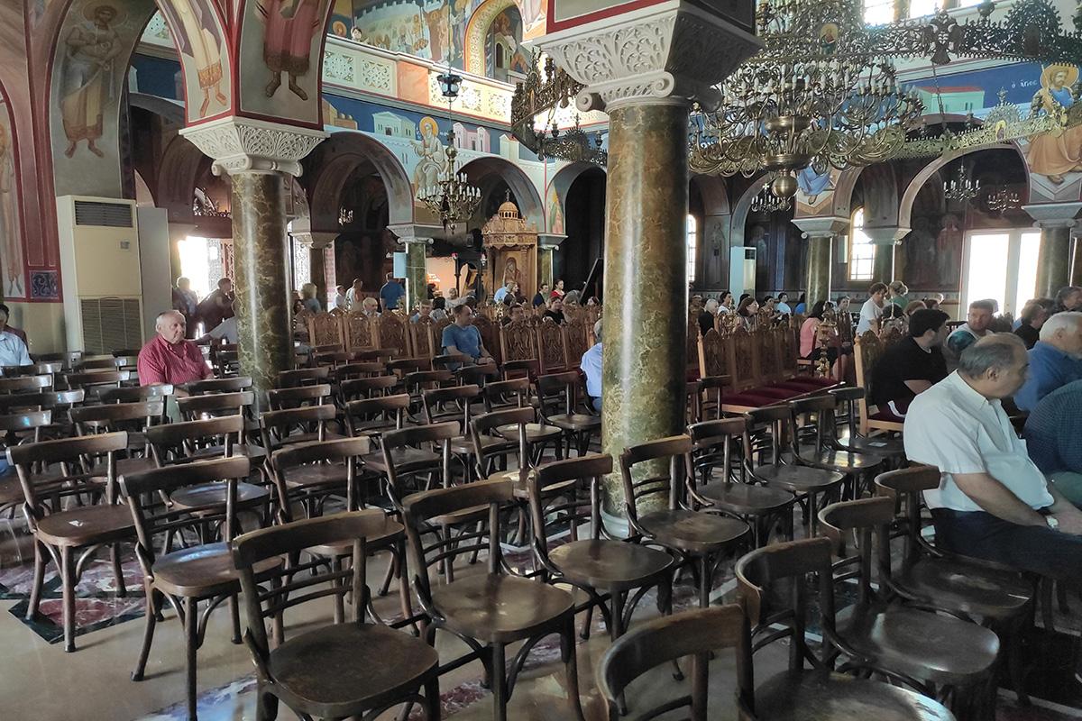 Κορωνοϊός: Νέα μέτρα – Τέλος οι λιτανείες στις εκκλησίες