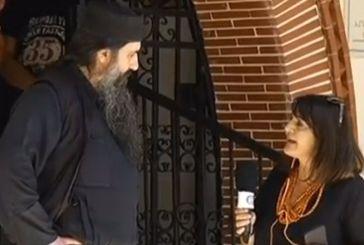 Ιερέας που διέκοψε τη λειτουργία για πιστή που φορούσε μάσκα: Παγκόσμια δικτατορία του Αντίχριστου μέσω ΠΟΥ