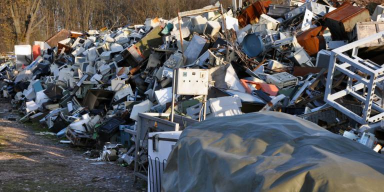 Η Ελλάδα παράγει ετησίως ανά κάτοικο σχεδόν 17 κιλά ηλεκτρονικών αποβλήτων