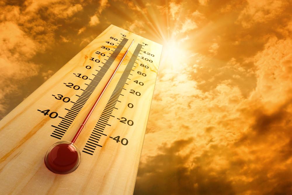 Καιρός: «Βράζει» και σήμερα η χώρα – Στους 38 βαθμούς «σκαρφαλώνει» ο υδράργυρος