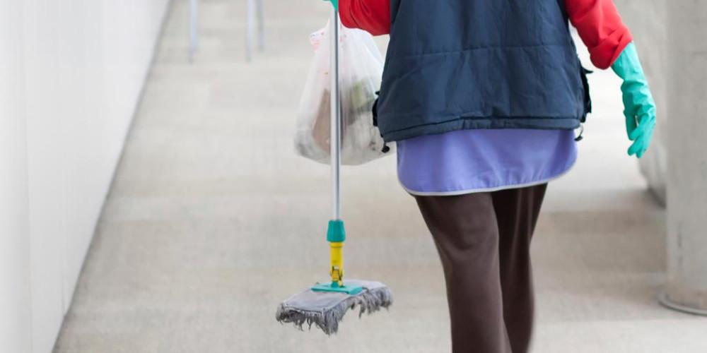 Ανεξάρτητη Πρωτοβουλία: «Η δημοτική αρχή  Θέρμου αρνείται να στηρίξει τις σχολικές καθαρίστριες»