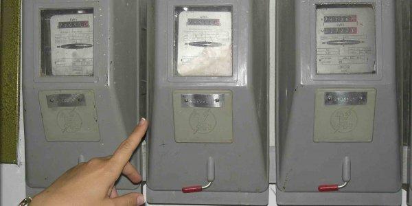 Aγρίνιο: καταγγελία για «απόπειρα για κοπή ρεύματος από τη Δ.Ε.Η. σε καρδιοπαθή εν μέσω καύσωνα»