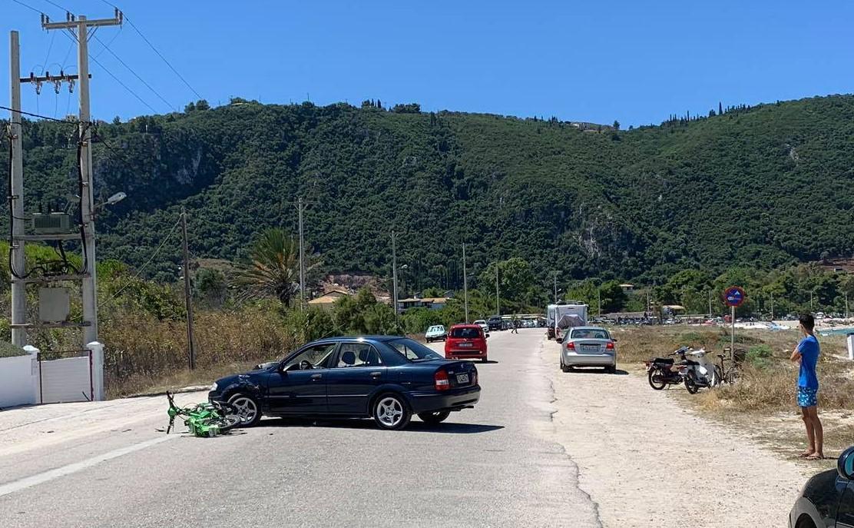 Λευκάδα: Τραυματίας οδηγός δικύκλου από τροχαίο στην παραλία του Αη-Γιάννη