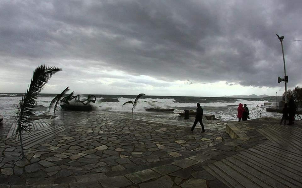 Άστατος και την Τρίτη ο καιρός με καταιγίδες και χαλάζι – Ποιες περιοχές θα επηρεαστούν