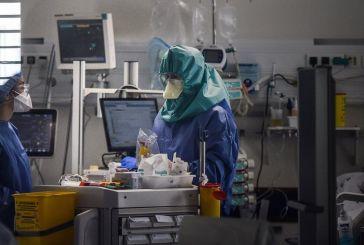 ΠΟΕΔΗΝ: «Άστοχη η απόφαση της μετατροπής των Νοσοκομείων σε εμβολιαστικά κέντρα»
