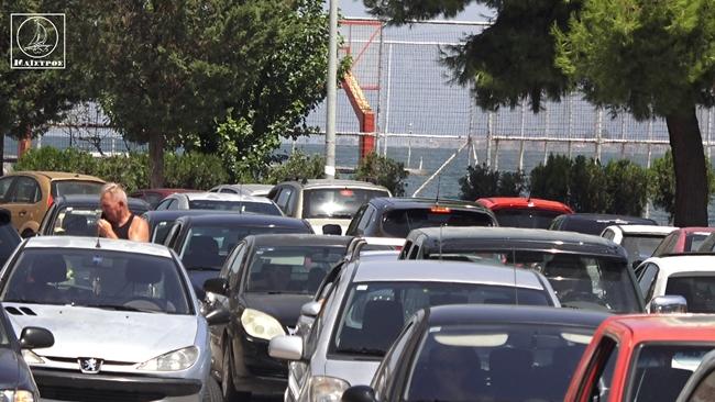 Aυξημένη κίνηση στο κέντρο της Αμφιλοχίας λόγω της «εξόδου» των αδειούχων