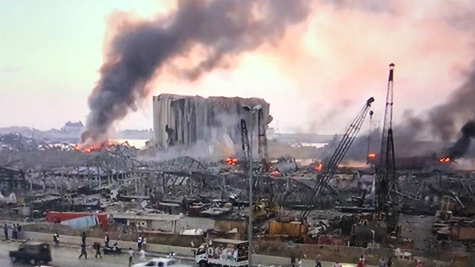 Βηρυτός: Δύο Ελληνες τραυματίες από την έκρηξη – Στέλνει κλιμάκιο της ΕΜΑΚ η Ελλάδα