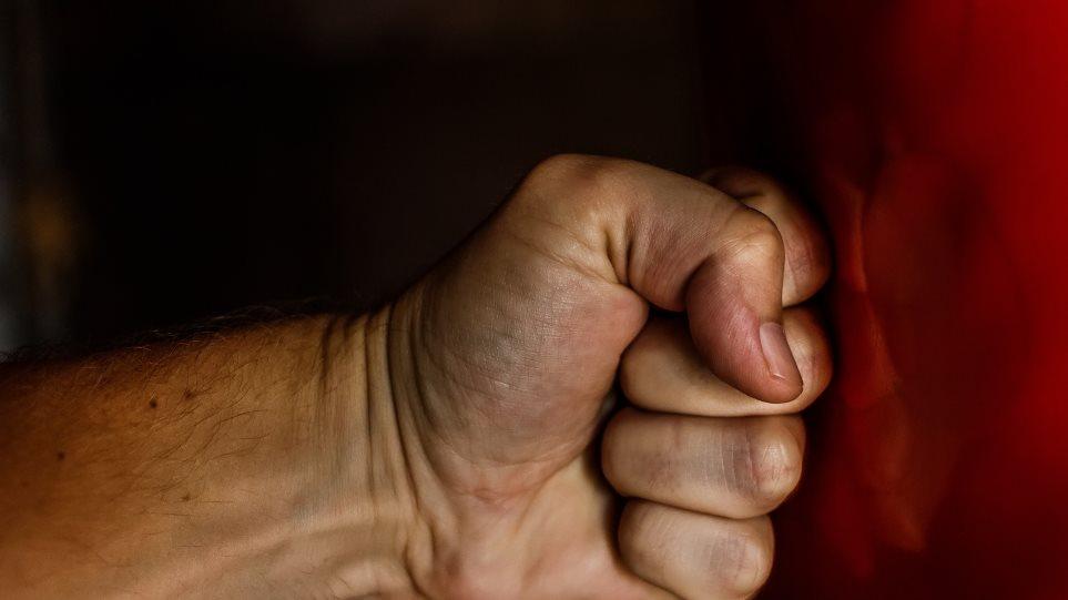 Πάτρα: Άγρια επίθεση «νταή» σε γυναίκα οδηγό για ένα κορνάρισμα