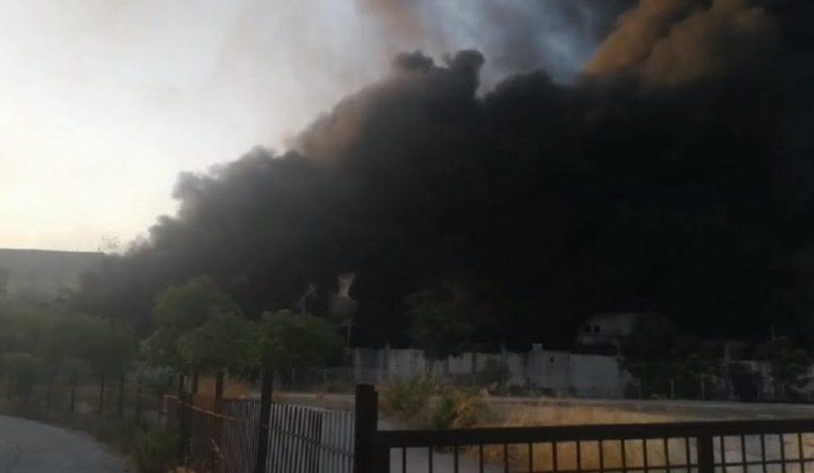Μεταμόρφωση: Καίει ακόμα η φωτιά – Κατέρρευσε μέρος του κτιρίου