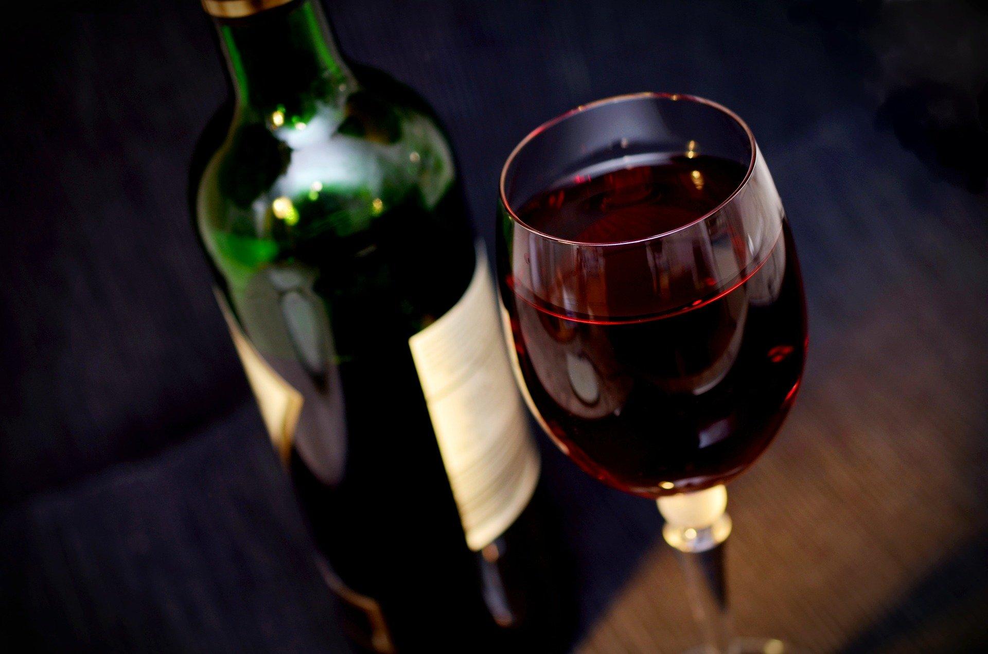 Όλες οι απορίες που πρέπει να λύσετε πριν αγοράσετε ένα κρασί