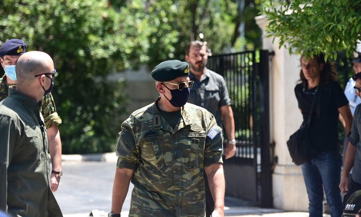Ελληνοτουρκικά: Το μήνυμα του αρχηγού ΓΕΕΘΑ μετά το ΚΥΣΕΑ – Με στολή παραλλαγής στο Μαξίμου