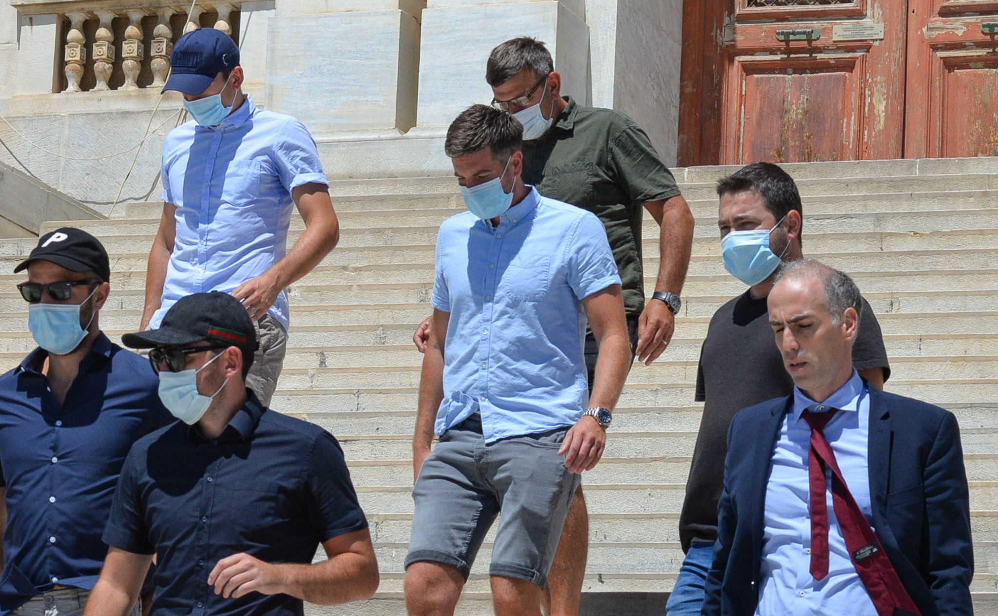O Μαγκουάιρ ξόδεψε 70.000 ευρώ σε 5 ώρες σε αστακούς και σαμπάνιες πριν από το επεισόδιο