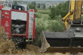 Όχημα της πυροσβεστικής κινδύνευσε να ανατραπεί στην Μεγάλη Χώρα Αγρινίου