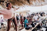 Κρούσματα κορωνοϊού: Γυρίζουν από τις διακοπές στα νησιά και φέρνουν τον ιό στην Αθήνα