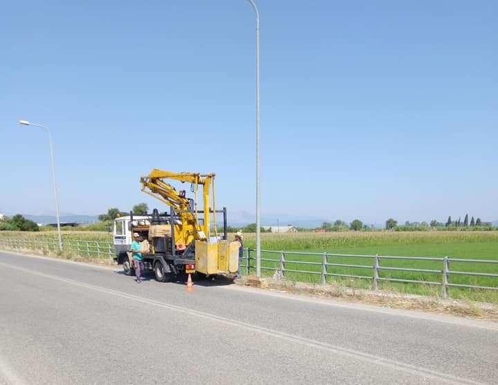 Εργασίες συντήρησης στο δίκτυο ηλεκτροφωτισμού στον οικισμό Πλατάνου