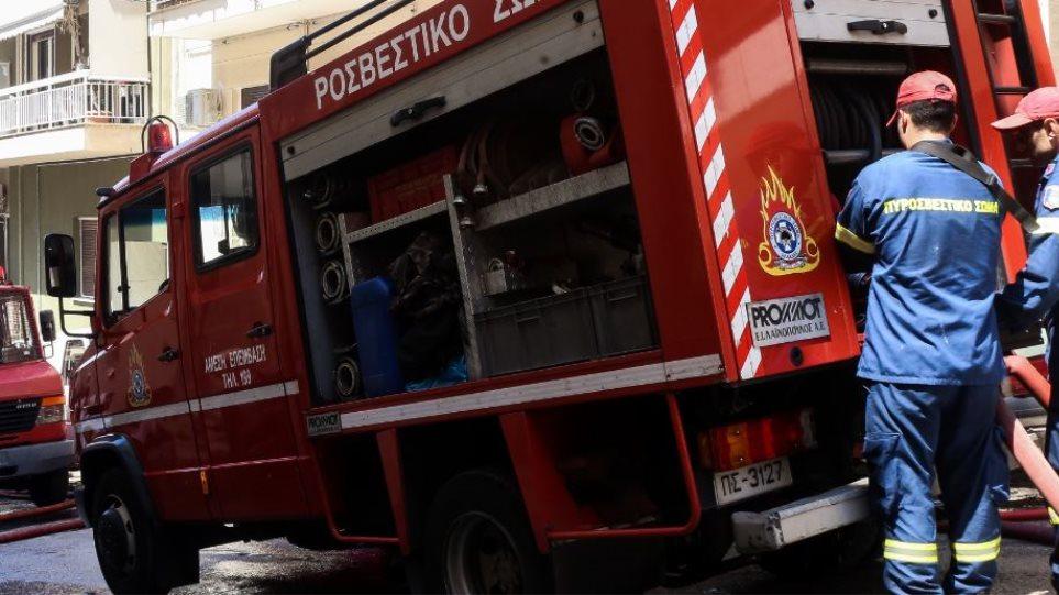 Σε καραντίνα και οι 70 πυροσβέστες στον σταθμό του Κορωπιού – Βρέθηκε θετικός συνάδελφός τους