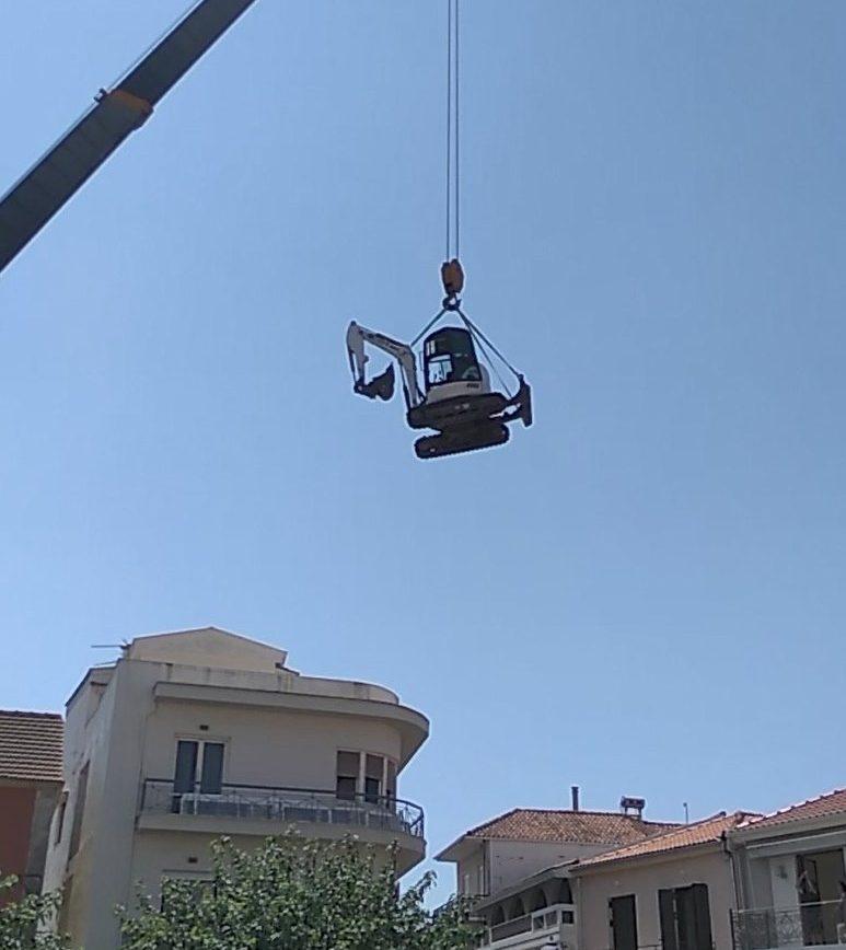 """Εντυπωσιακό βίντεο με ιπτάμενη """"τσάπα"""" στην Πρέβεζα (βίντεο)"""