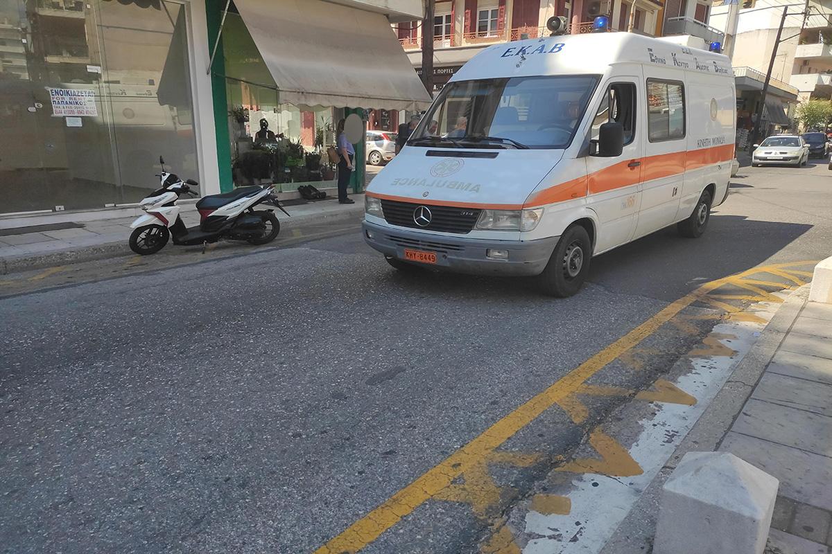 Αγρίνιο: Mια τραυματίας και μια…σύλληψη σε τροχαίο στην Πλατεία Χατζοπούλου