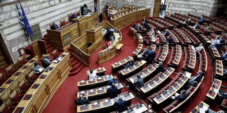 «Κόντρες» στη Βουλή για το 5G: Ευρύτατη συναίνεση αλλά και θεωρίες συνωμοσίας