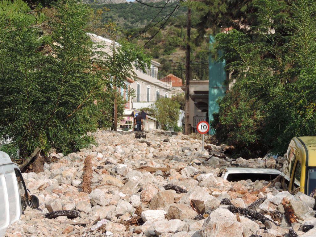 Κεφαλλονιά: Ασύλληπτη καταστροφή σε Άσσο, Ληξούρι, Φισκάρδο – Σε απόγνωση οι κάτοικοι