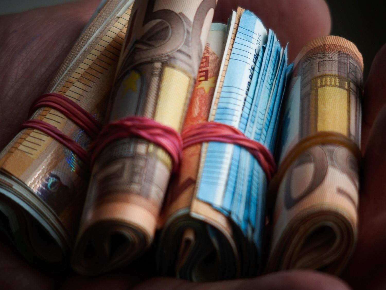 Επίδομα 800 ευρώ: Γιατί δεν πληρώθηκαν 24.000 εργαζόμενοι, τι πρέπει να κάνουν