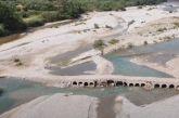 Τα νερά παρέσυραν τμήμα από το πρόχειρο Γεφυράκι του Ευήνου– Μόνιμη πρόσβαση ζητούν πρόεδροι και κάτοικοι