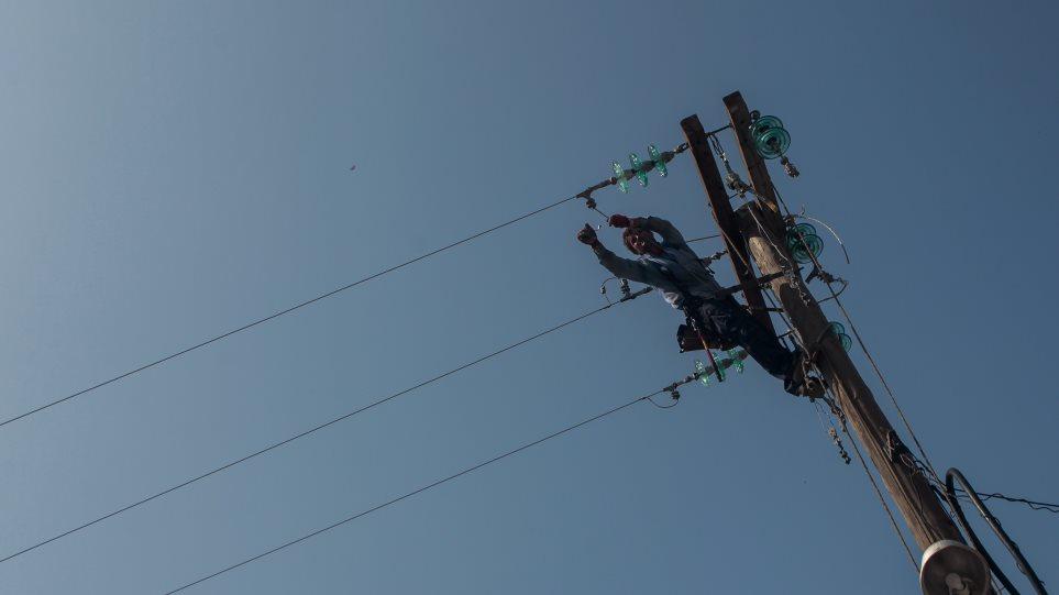 Καρδίτσα: Εκτός λειτουργίας 42 υποσταθμοί ρεύματος – Αγώνας δρόμου για την επαναφορά του
