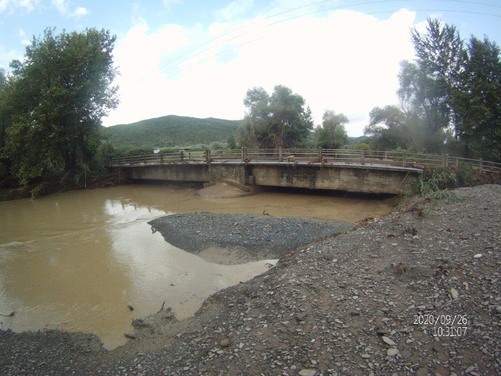 Πλημμυρισμένοι χείμαρροι και λάσπες στον δρόμο από τον Ορεινό Βάλτο προς Αγρίνιο